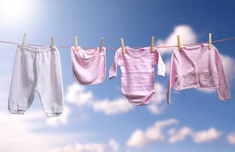 Como lavar a roupa de bebê